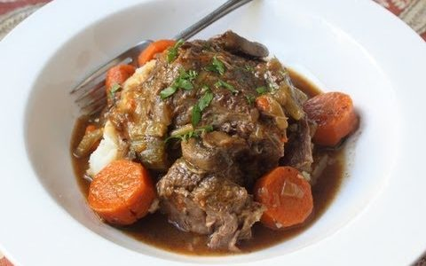 Slow Cooker Beef Pot Roast Recipe - How to Make Beef Pot Roast in a Slow Cooker