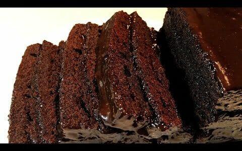 How to make the Best Moist Chocolate Cake Recipe